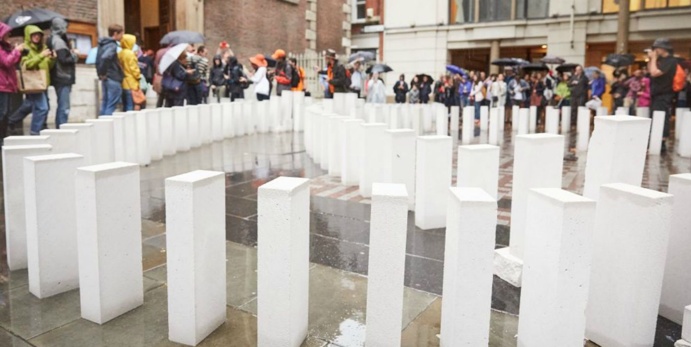 Ytong domino in London met 23.000 blokken